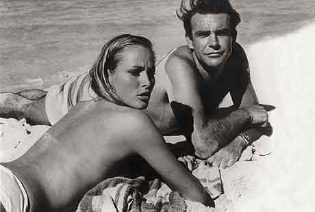 Sean Connery, Ursula Andress in Dr. No