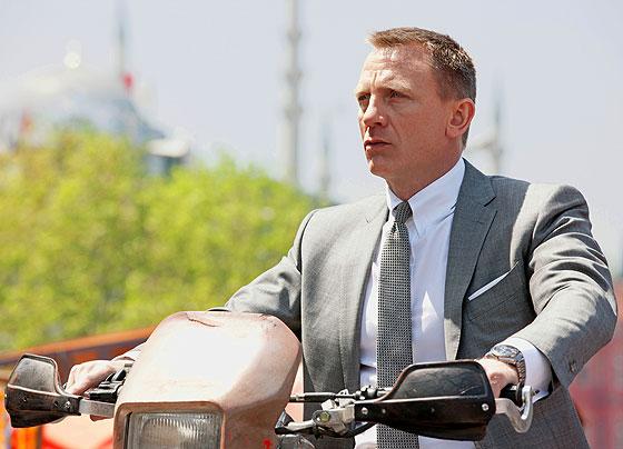 Daniel Craig wearing Omega in Skyfall