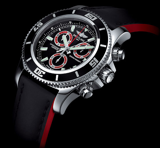 Breitling Superocean Chronograph M2000 Angle