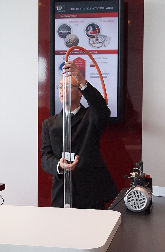 Cartier vacuum demonstration 2