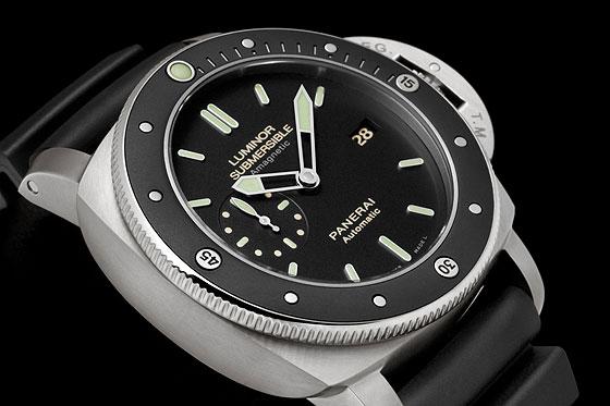 www.watchtime.com | watches wristwatch industry news  | Panerais New Luminor Has Antimagnetic Case | Panerai PAM00389 Detail 1 560