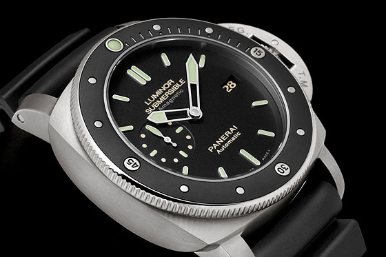 Panerai Luminor Submerisble Amagnetic PAM00389 Detail-1
