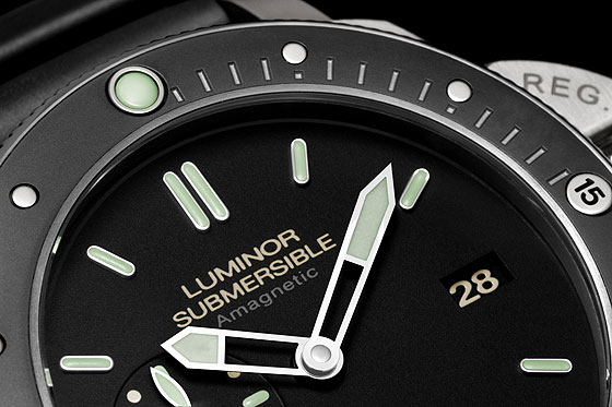 Panerai Luminor Submersible Amagnetic PAM00389-Detail-3