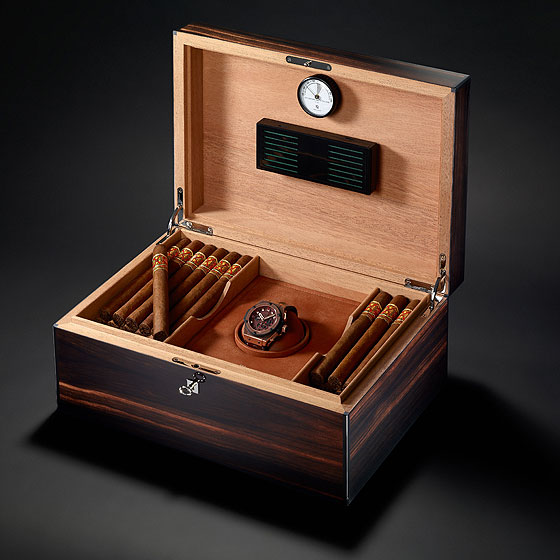 Hublot King Power Arturo Fuente box
