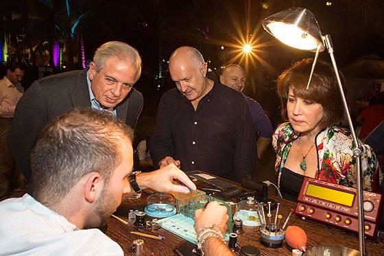 Girard-Perregaux Watchmaking on the Beach- Sofisti and Mayor Regalado