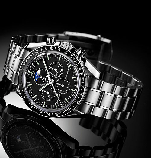 Omega Speedmaster Professional Moonphase - reclining