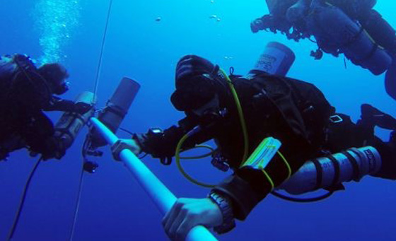 Ahmed Gabr diving with CX Swiss Military watch