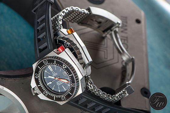Omega Seamaster Ploprof - old vs. new - side angles