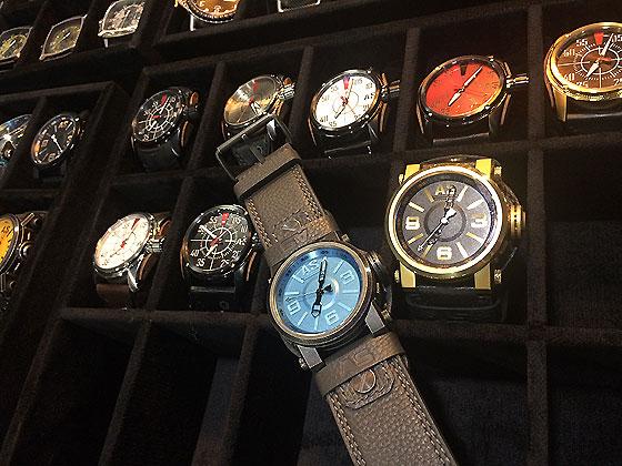 http://www.watchtime.com/cms/wp-content/uploads/2015/03/Schwarzengger_Watch_Collection_560.jpg