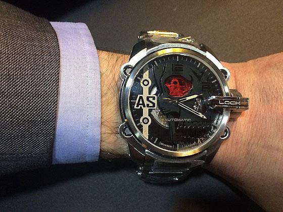 http://www.watchtime.com/cms/wp-content/uploads/2015/03/Schwazengger_Hero_GT38_wrist_560.jpg