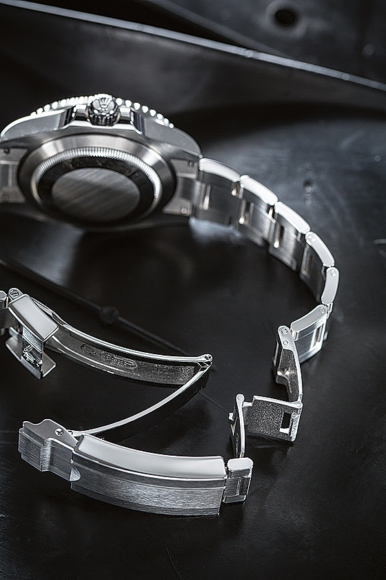 Rolex bracelet buckle