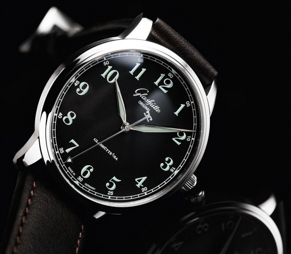 Glashutte Original Senator_Excellence black dial - angle