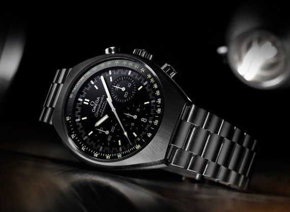 Omega Speedmaster Mark II - black - reclining