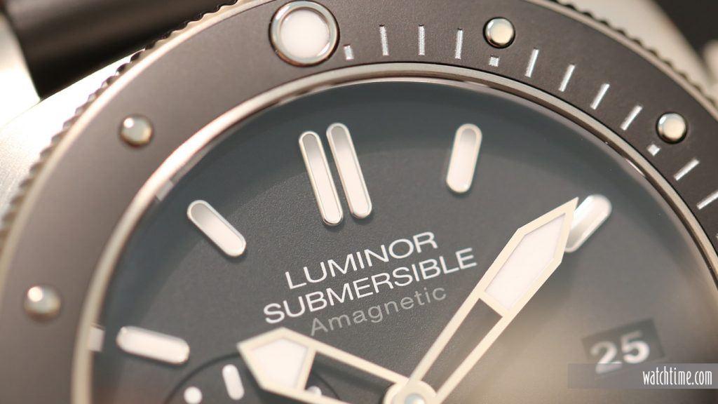 Panerai: Luminor Submersible 1950 Amagnetic 3 Days Automatic Titanium, dial