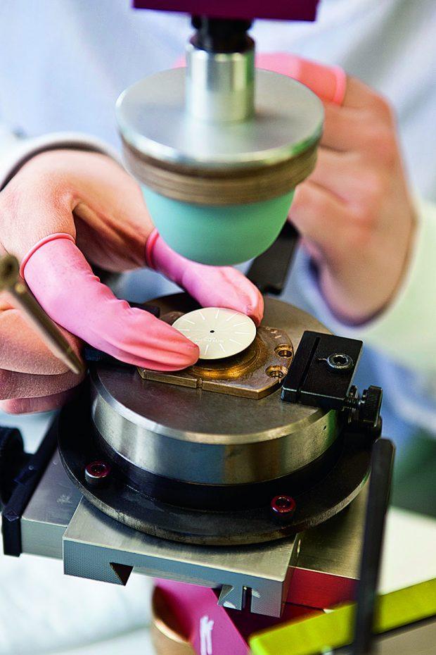 Patek Philippe dial making letter printing