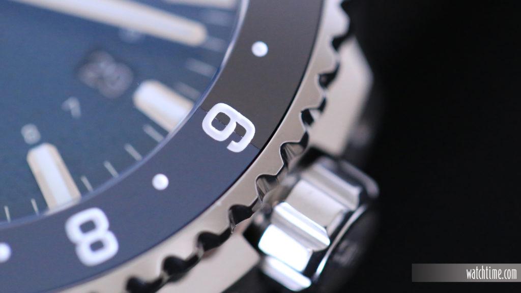 Oris Aquis GMT Whale Shark - Bezel Inlay